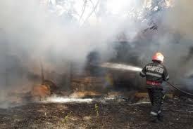 Casă distrusă de foc la Corbeni