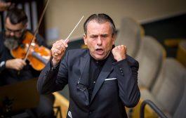 Dirijorul Florin Totan, la Filarmonică