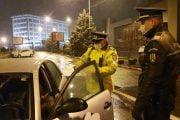 Poliţiştii şi jandarmii verifică tot ce mişcă!