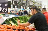 Salamul, roșiile, merele și laptele s-au scumpit cel mai mult!