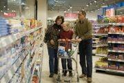 Consumatorii pot compara prețurile produselor