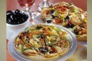 Pizza cu măsline și ardei gras