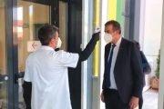 Directorul Dacia, la recepţia aparatului de testare COVID