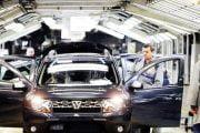 Dacia conduce în topul vânzărilor