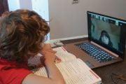 S-au reluat cursurile şcolare online