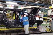 Angajaţii Dacia, primesc 1600 lei, prime