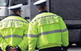 Doi poliţişti judecaţi pentru luare de mită!
