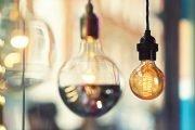 Scade preţul la energie electrică