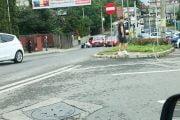 Pensionar rănit în timp ce traversa pe trecere