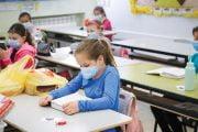 4 scenarii pentru cazuri COVID apărute în şcoli