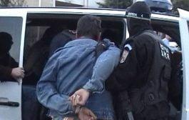 Fiul primarului din Cotmeana arestat pentru tâlhărie!