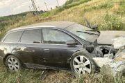 Șoferul beat și-a rănit prietenul în accident!