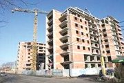 Se construiesc mai puţine clădiri rezidenţiale