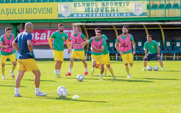 CS Mioveni joacă cu Chindia pentru un loc în Liga 1
