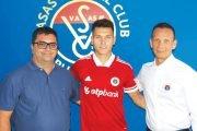 Fost jucător la CS Mioveni, transferat în Ungaria
