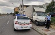 Amendați că și-au lăsat camioanele în parcările de la bloc