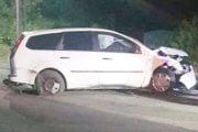 Din viteză a izbit o mașină staționată