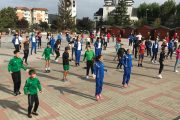 Flashmob şi mișcare în aer liber, în centrul Mioveniului