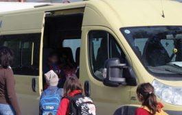 Nu sunt bani dar se caută soluții pentru transportul elevilor!