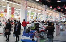 Comercianţii locali, discriminaţi faţă de hypermarket-uri