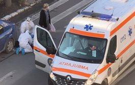 Femeie rănită de ambulanță