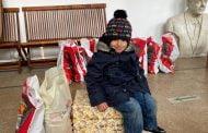 Copii din 75 de familii nevoiaşe, ajutaţi printr-o campanie umanitară, desfăşurată la Mioveni