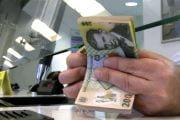 Ratele la credite pot fi din nou amânate de către argeşeni