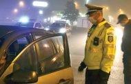 Minor prins băut şi fără permis, la volan