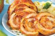Ruladă cu sos de roşii