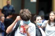 Unii copii, pot sta fără mască la școală
