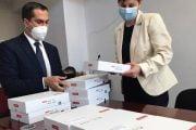 Dacia a donat tablete şi elevilor din Dâmboviţa