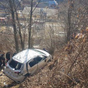 Maşină căzută în prăpastie la Rucăr!