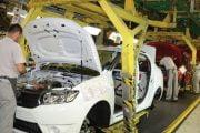 Mii de salariaţi Dacia, stau 7 zile acasă în aprilie