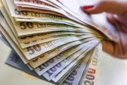 Argeşenii pot lua titluri de stat cu dobândă 3,25%