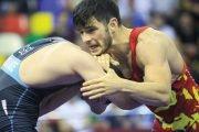 Luptătorii români, la un pas să rateze Olimpiada!