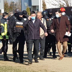 Un bărbat a amenințat că își dă foc, la Ștefănești!