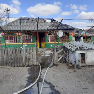 Tavan prăbușit pentru o femeie în timpul incendiului