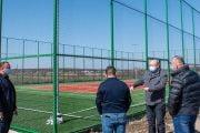 Teren de sport și școală modernizată, la Rătești