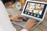 Aproape 9500 de elevi au început cursurile online