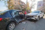 Trei oameni răniţi de un şofer neatent!