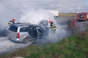 Mașină cuprinsă de foc, pe A1!
