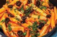 Paste cu sos de roşii şi măsline