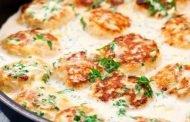 Chiftele în sos de brânzeturi
