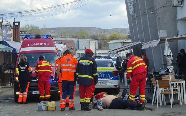A murit în timp ce polițiștii îl evacuau dintr-un local!