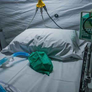7 decese la pacienţi cu COVID, într-o zi