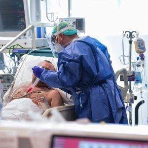 Crește numărul deceselor la pacienți cu COVID-19