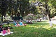 Zonă de picnic amenajată în Parcul Ştrand!