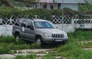 Jeep ridicat de poliţiştii locali!
