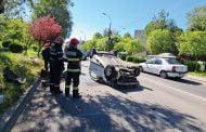 Șofer de BMW, a răsturnat un taxi!