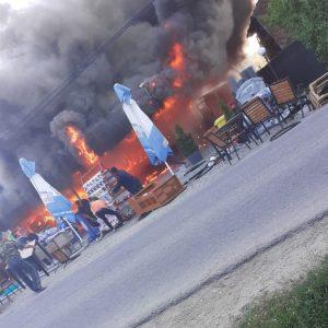 Incendiu la un magazin din Stolnici!